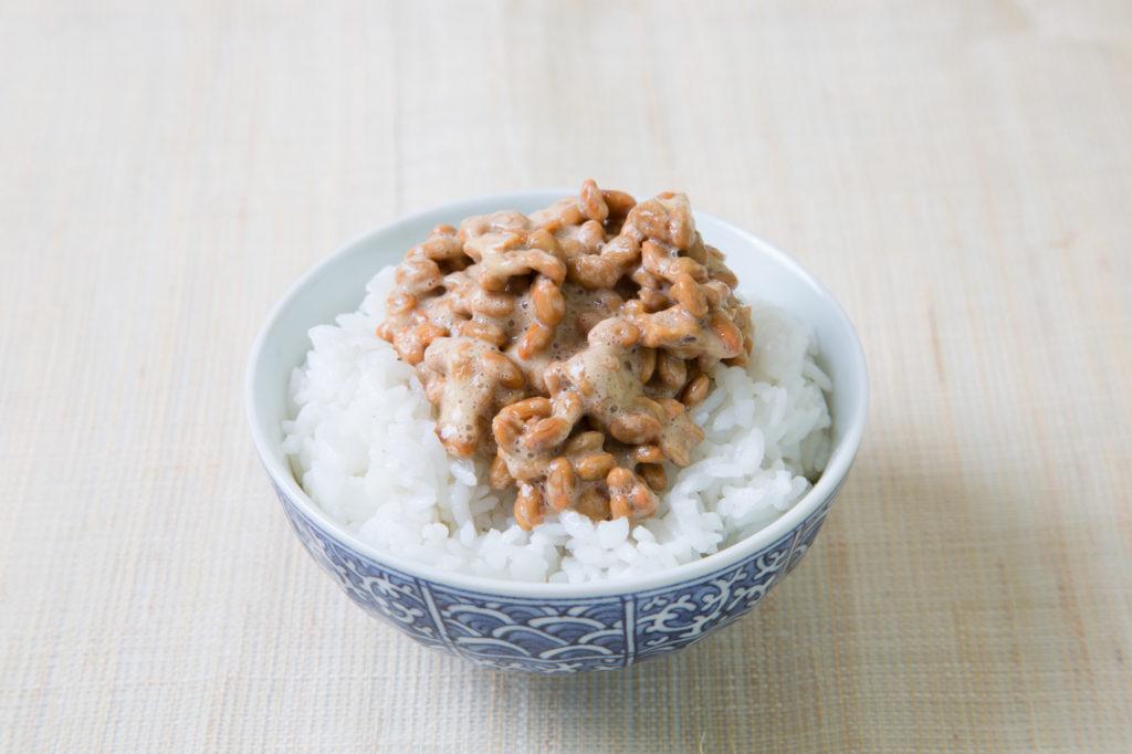 ウエストのおんな、納豆ご飯