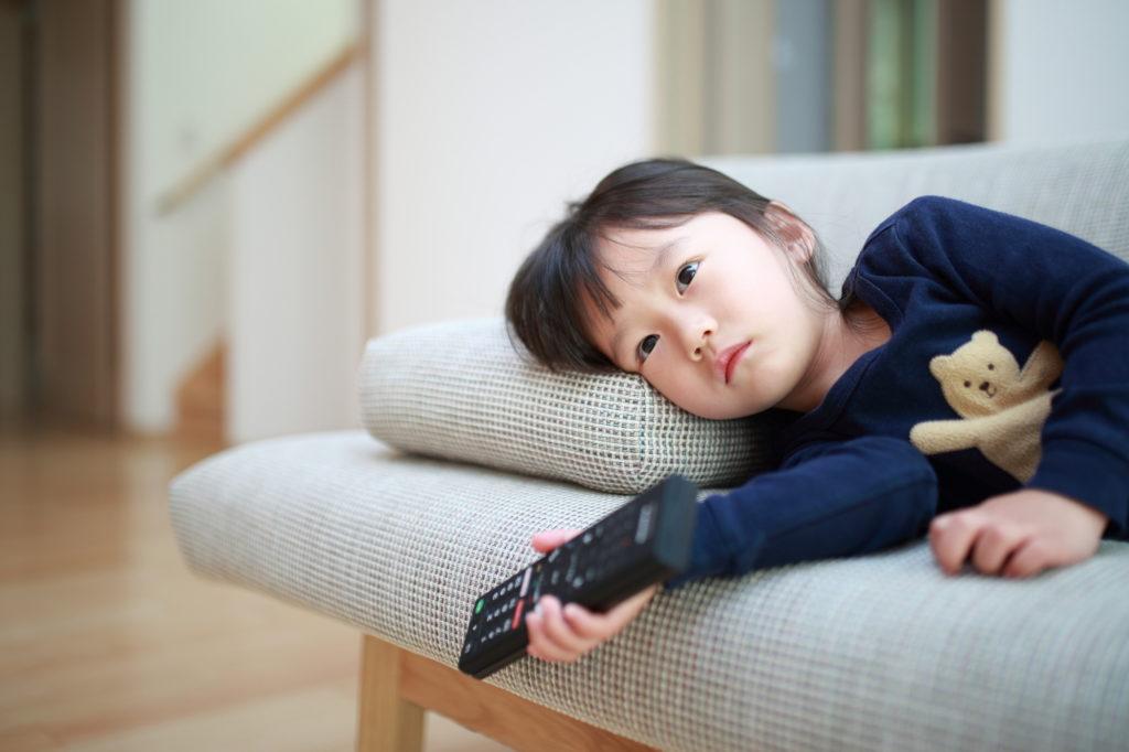 ウエストのおんな、テレビ見てるよ
